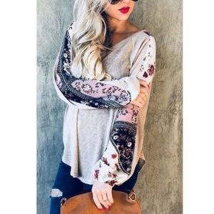 🎉HP🎉 Boho Floral Sleeve Tunic Top